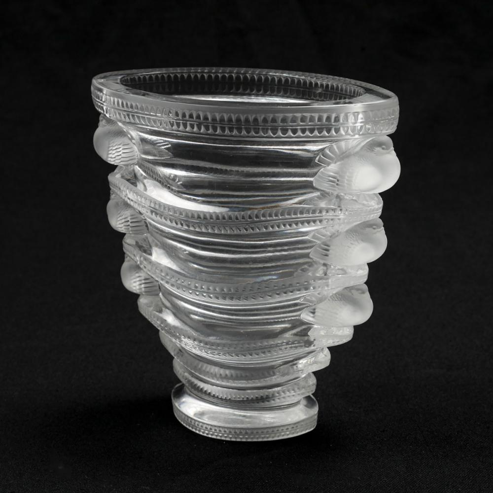 "LALIQUE ""SAINT-MARC"" BIRD VASE"