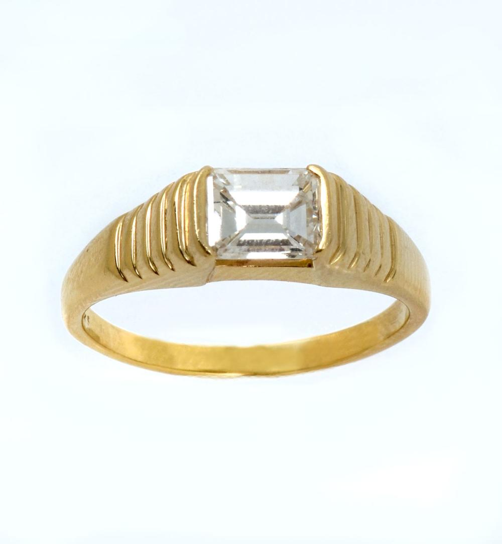 14K EMERALD CUT DIAMOND RING