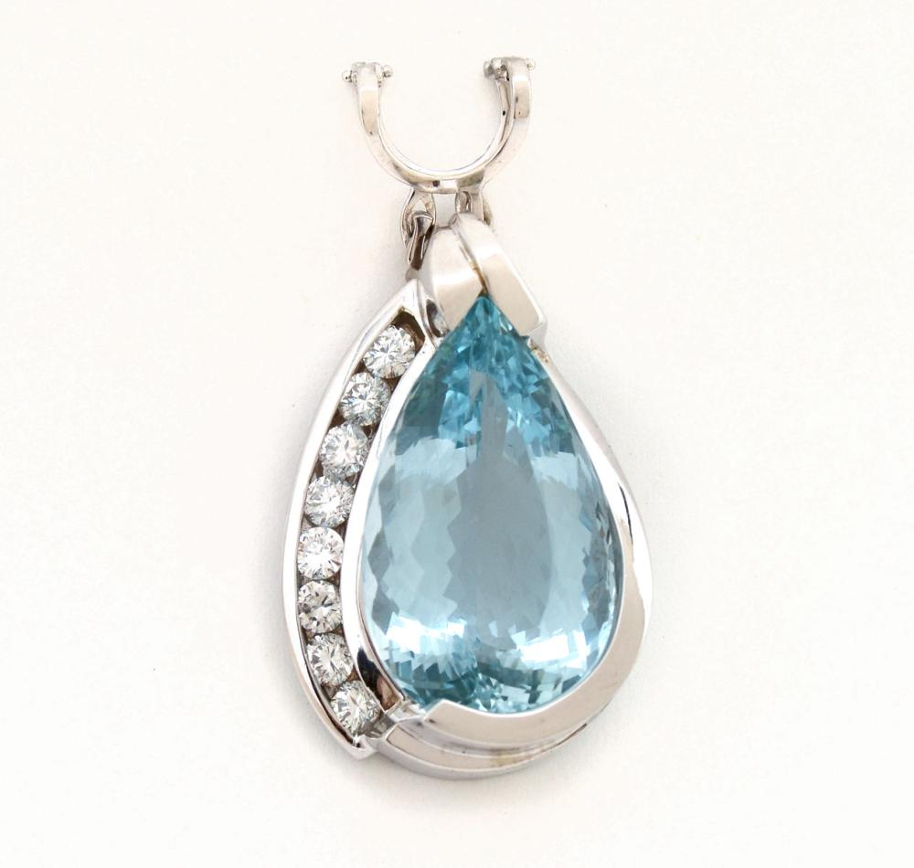 30.81 CTW AQUAMARINE IN 14K PENDANT WITH DIAMONDS