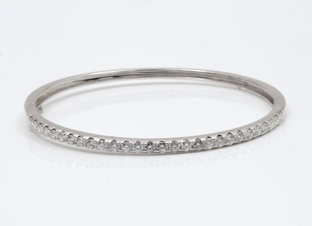 14K 1.93 CTW DIAMOND BANGLE