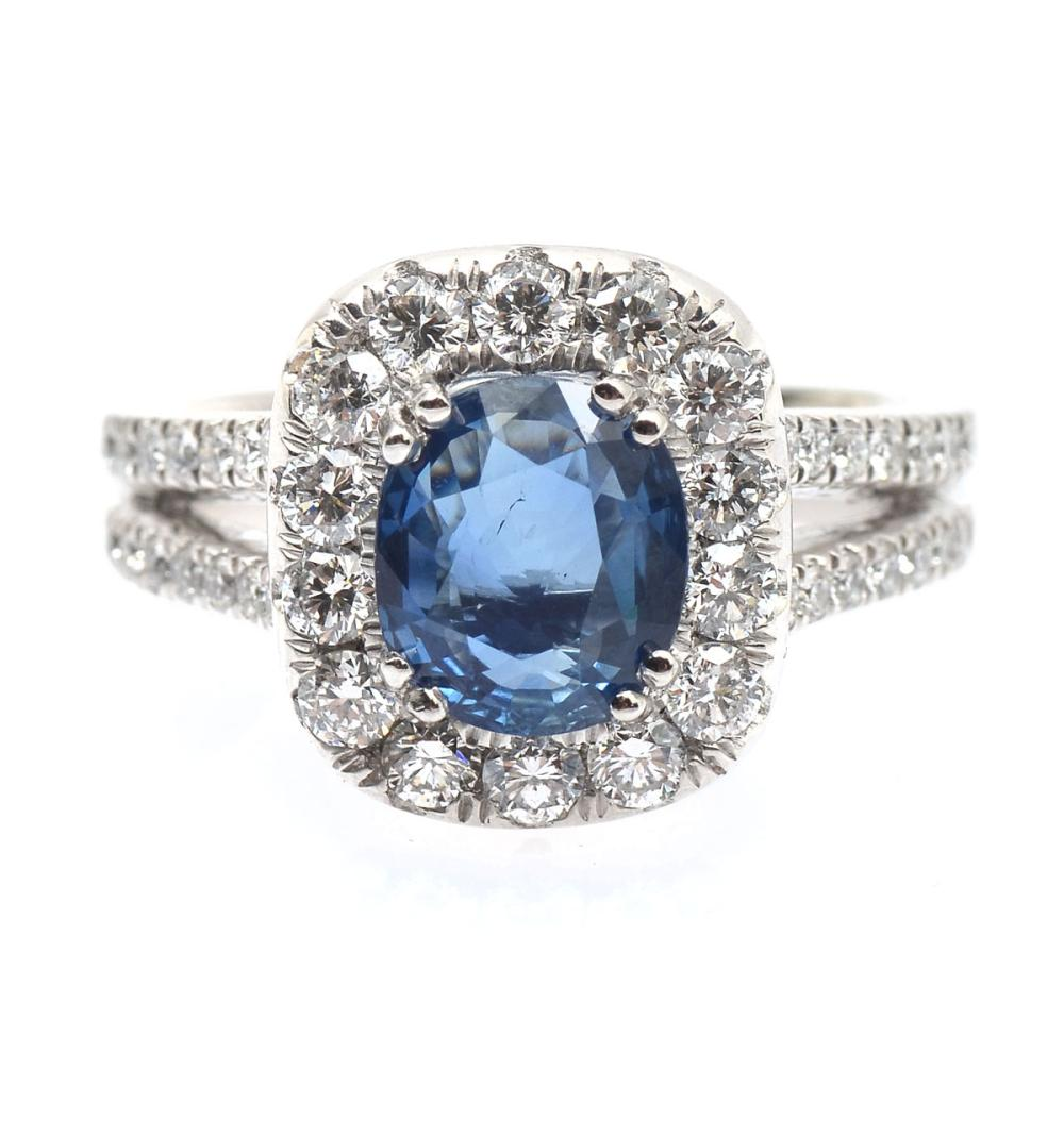 2.40 CT SAPPHIRE WITH DIAMONDS IN PLATINUM