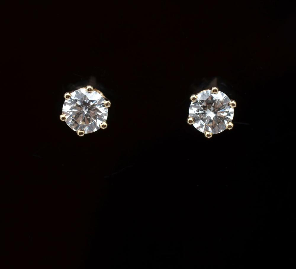 14K 1.09 CTW DIAMOND STUDS IN THE STYLE OF TIFFANY