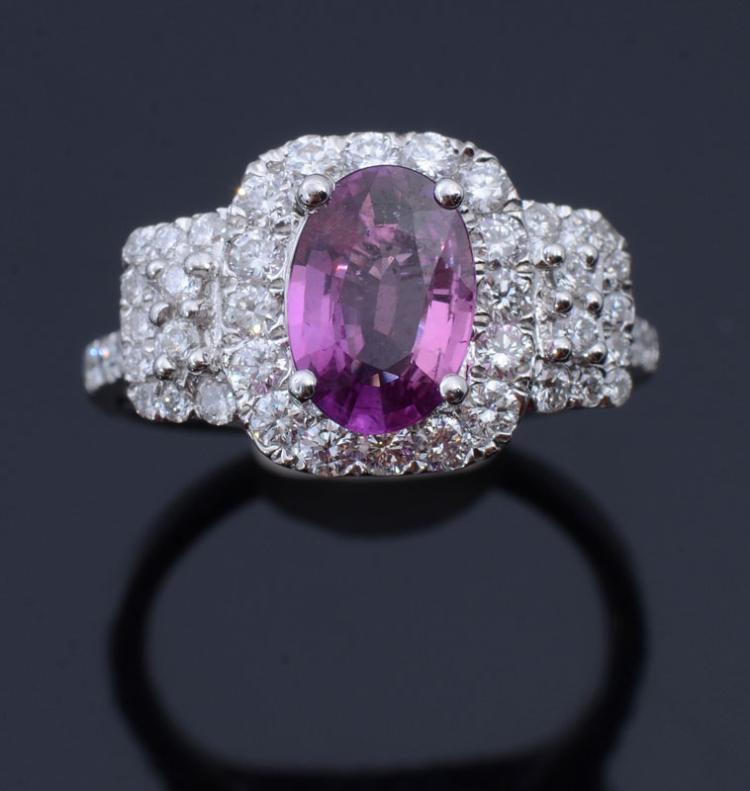 NO HEAT PINK SAPPHIRE RING WITH DIAMONDS IN PLATIN