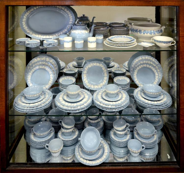 173 PC COLLECTION OF WEDGWOOD QUEEN'S WARE CHINA