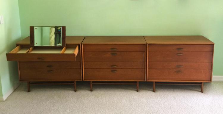 Drexel parallel walnut bedroom set for American walnut bedroom furniture