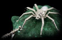 MALACHITE DIAMONDS & PEARL SPIDER PENDANT
