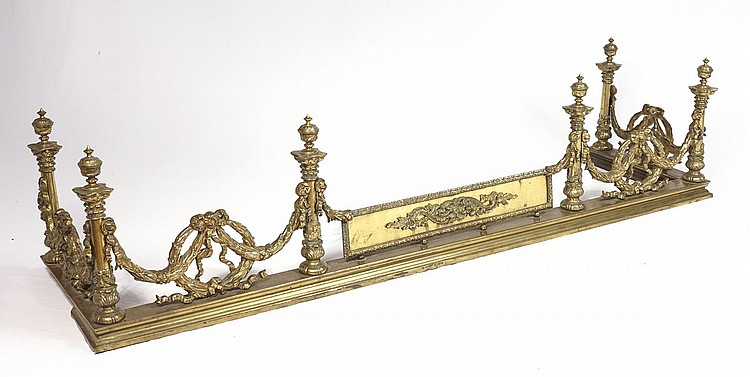 ORNATE BRASS FIREPLACE FENDER