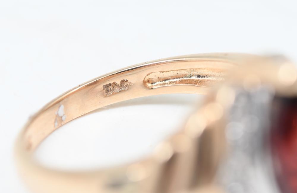 14K GARNET & DIAMOND RING