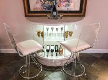 MODERNE LUCITE BAR AND 2 STOOLS