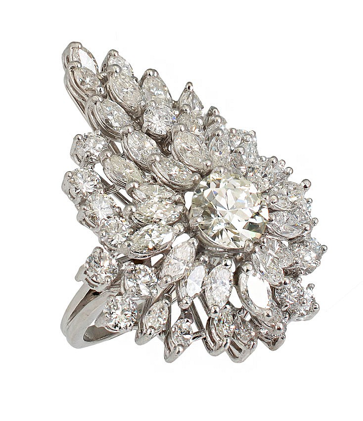 43: A MOST DECADENT 6.5 CTW DIAMOND RING 2 CT CENTER 1