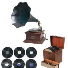 (50+pc) JOHN ALLISON'S VIC III & RECORD COLLECTION