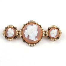 AGATE CARVED CAMEO PIN