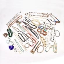 LARGE LOT MOSTLY BEAD NECKLACES