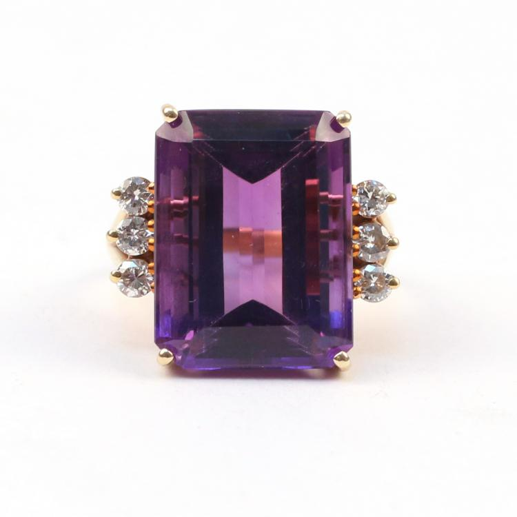 AMETHYST, DIAMOND & GOLD RING