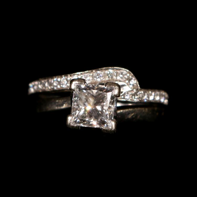 (2pc) 1.06 PRINCESS CUT DIAMOND ENGAGEMENT RING