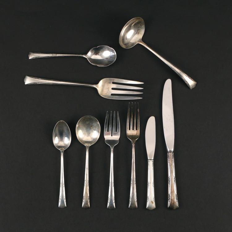 (32pc) GORHAM STERLING SILVER FLATWARE SERVICE