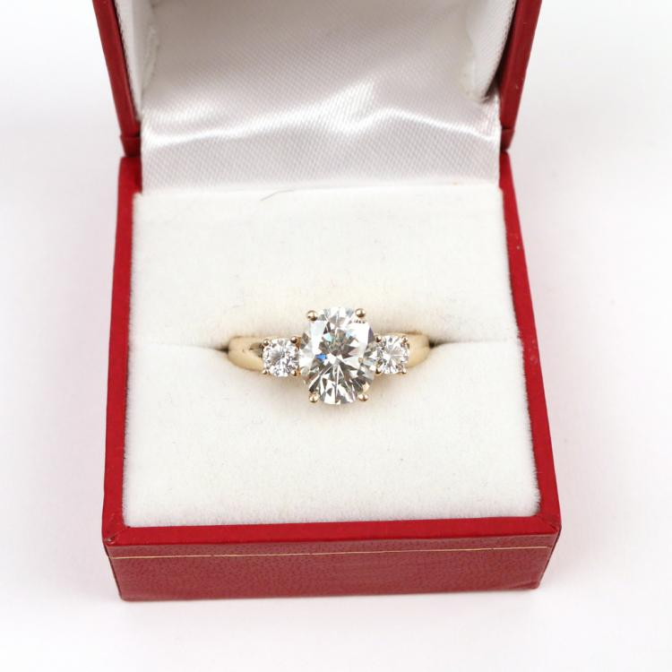 SYNTHETIC MOISSANITE & GOLD RING