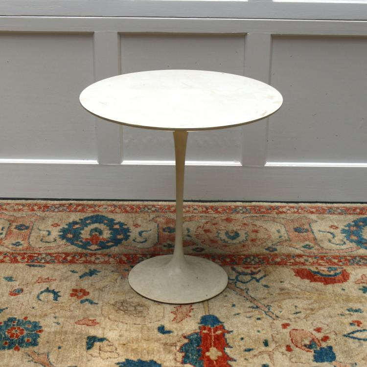 KNOLL INTERNATIONAL OCCASIONAL TABLE
