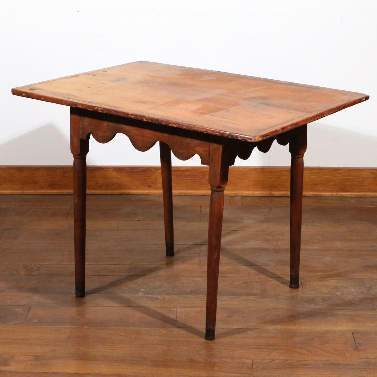 FEDERAL PINE & MAPLE TAVERN TABLE