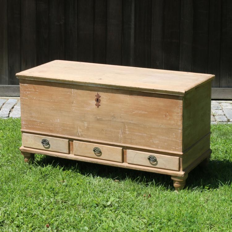 STRIPPED MAPLE STORAGE CHEST