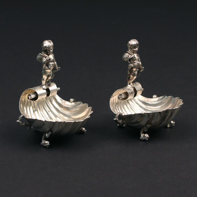 PAIR CONTINENTAL SILVER MASTER SALTS