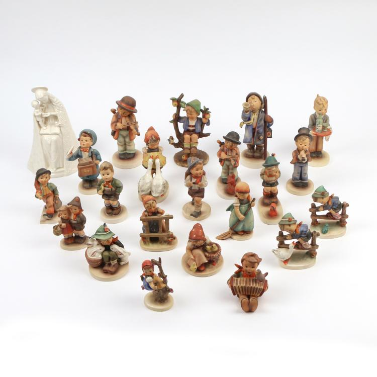 (22pc) HUMMEL PORCELAIN FIGURINES
