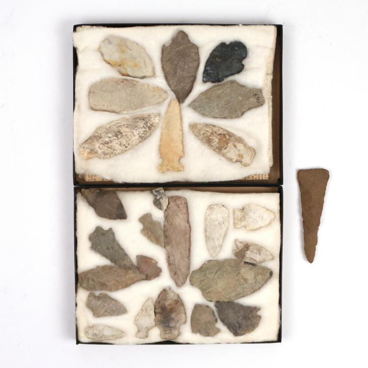 (26pc) STONE ARROW HEADS