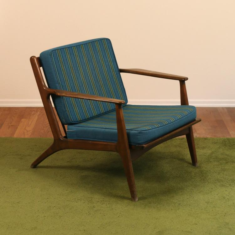DANISH WALNUT LOUNGE CHAIR