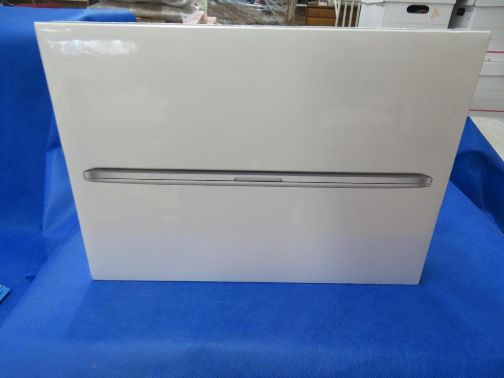 "Mac Book Pro 15"" HD Notebook with Retina Display"