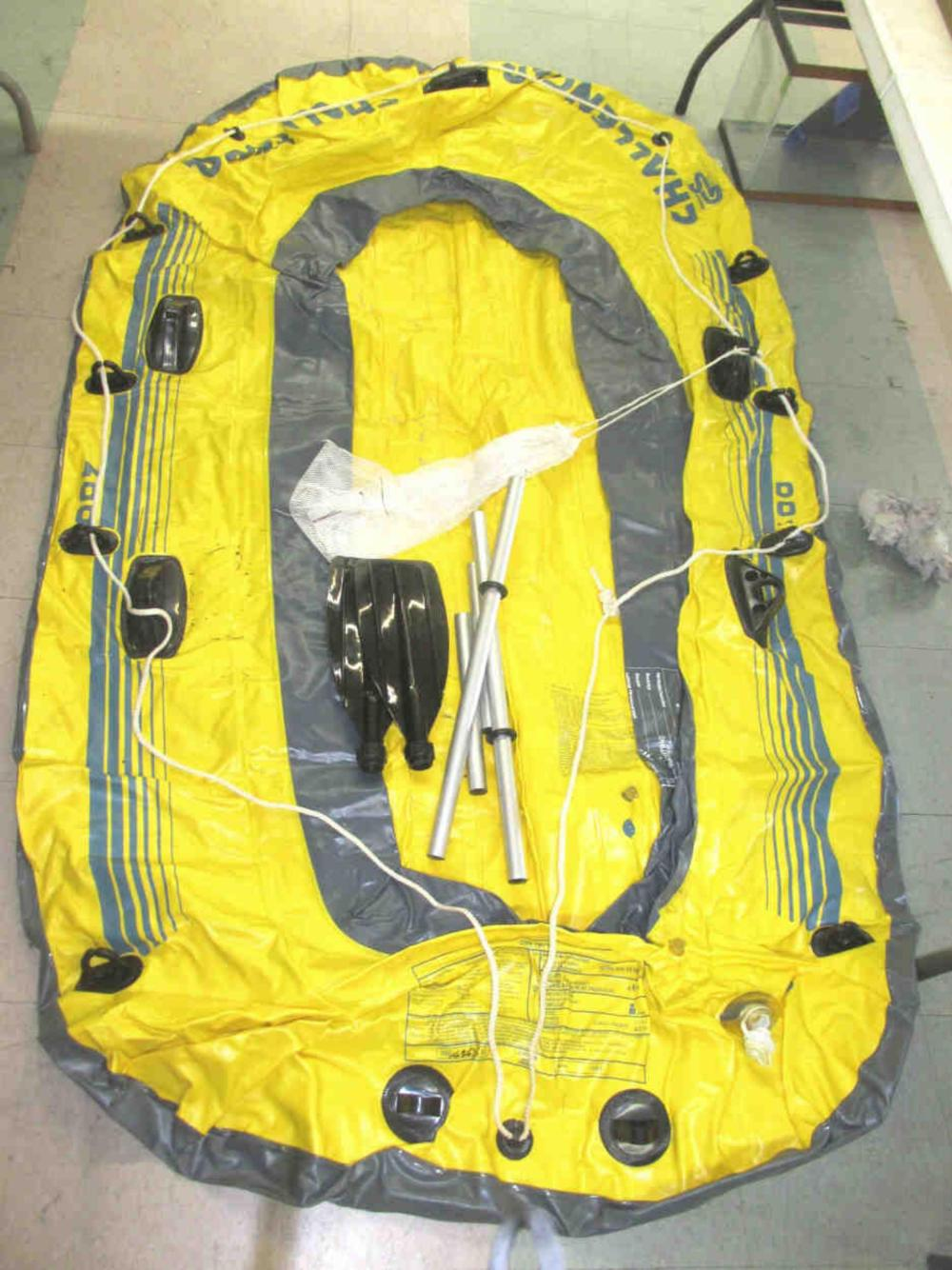 Challenger Inflatable 4 Person Raft