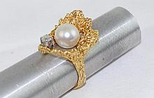 18kt y.g. Pearl & Diamond ring