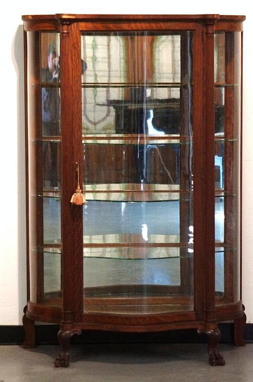 Lot 148: American antique china cabinet - S curved glass - American Antique China Cabinet - S Curved Glass