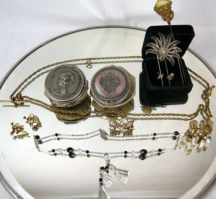 Gold earrings, lot of hat pins, beaded coin purses