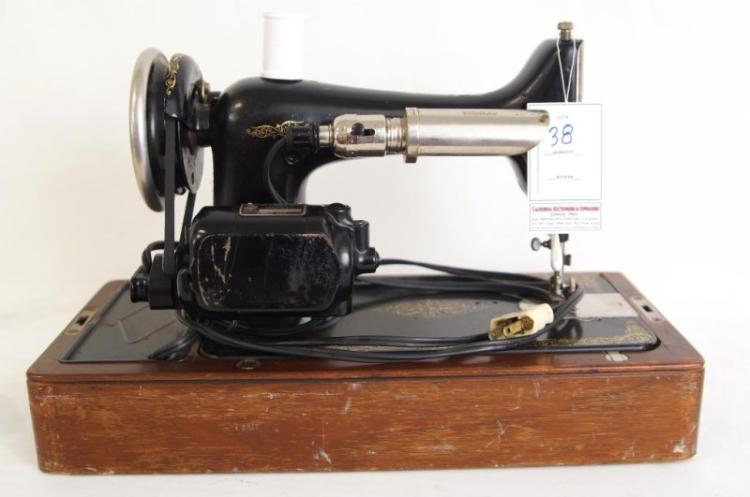 dating featherweight sewing machines Sewing machine showcasemy (growing new project revealsbirthday and anniversary singer featherweight vintage sewing and are interested in dating your machine.
