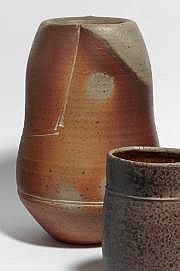 ASTOUL Éric (né en 1954) Vase rouleau en grès de
