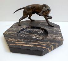 Vintage hunting dog/marble base