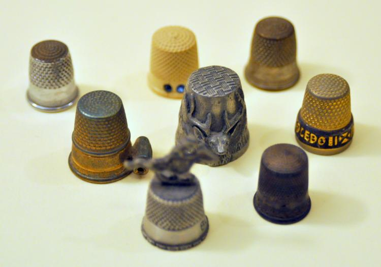 Vintage thimble collection metal mostly