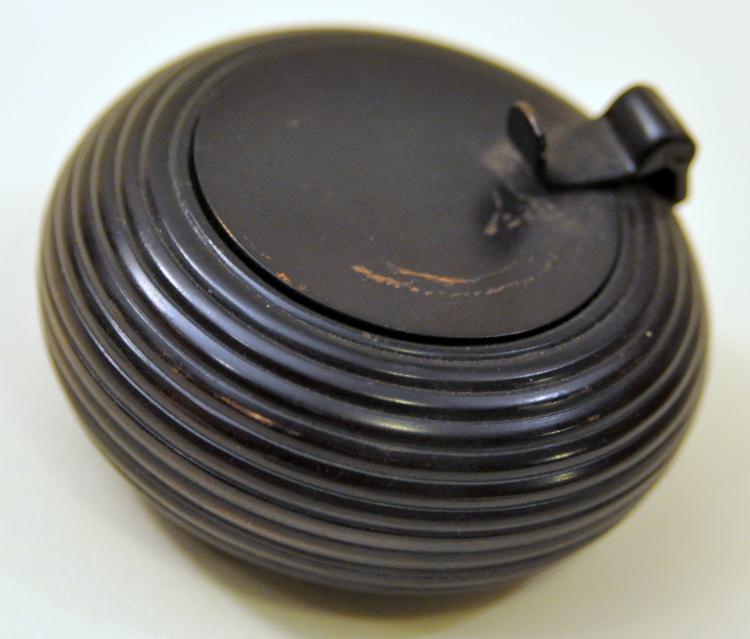 Bronze inkwell round patina