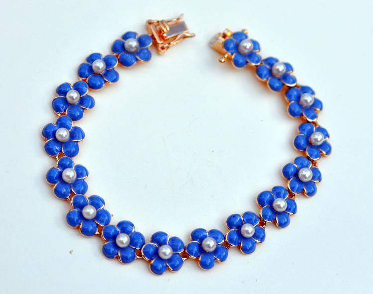Pearl enamel sterling bracelet daisies