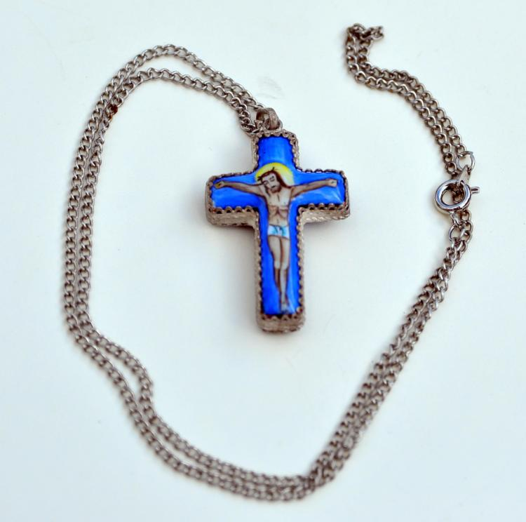 Filigree enamel cross necklace