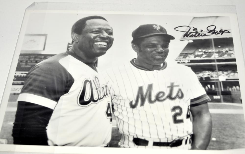 Willie Mays signed photo+ Hank Aaron