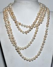 Lot 25: Baroque pearls strand 90 inches long