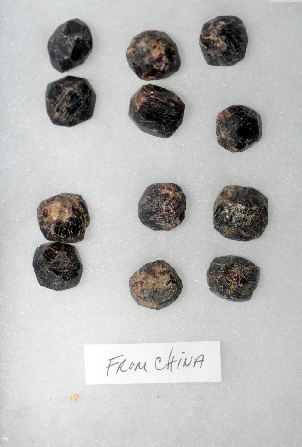 Lot 42: Garnet natural specimens 28