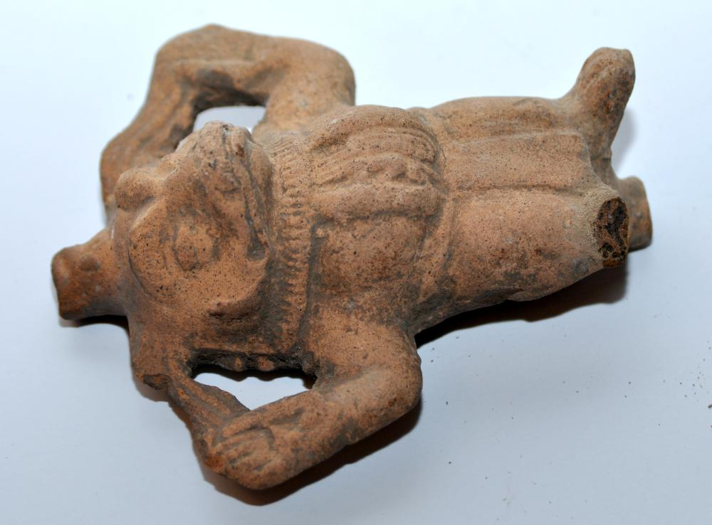 Lot 61: Pre Columbian frog whistle