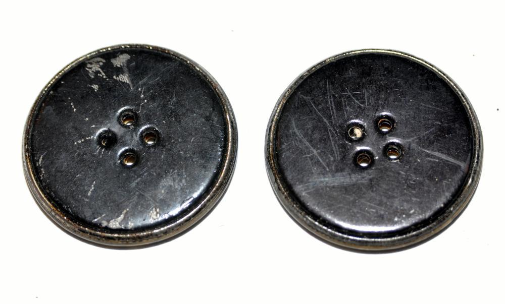 Lot 86: Buttons horn 1890's 2