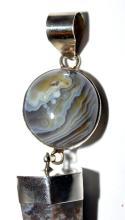 Lot 193: Large pendant agate crystal