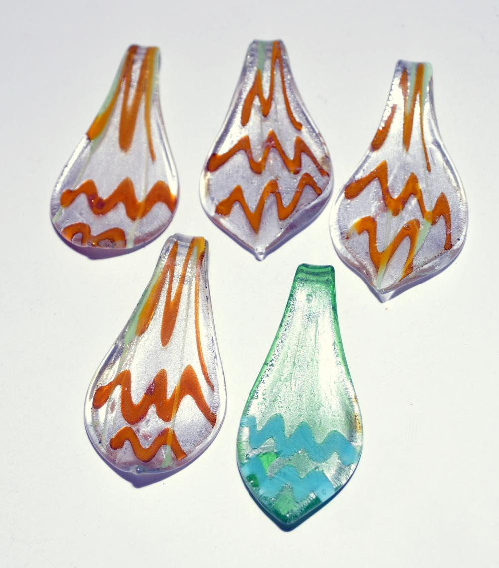 Lot 198: 5 glass pendants hand blown
