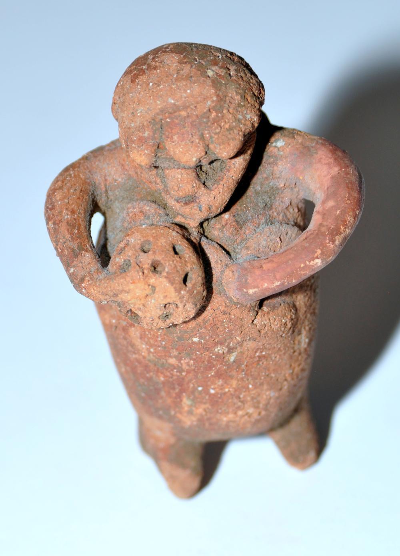 Lot 201: Mezzo American pottery Pre Columbian