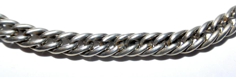 Lot 258: Vintage watch chain silver tone
