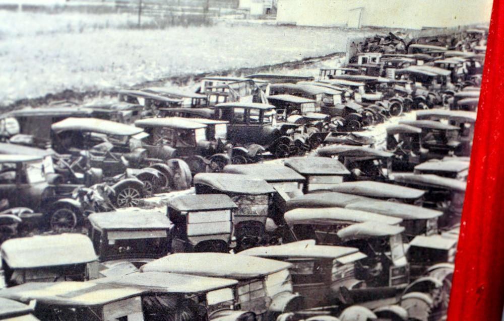 Lot 286: Auto junkyard antique photo